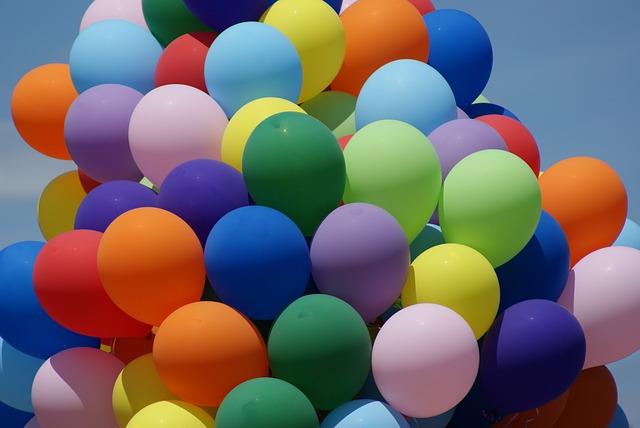 balloons-2095449_640