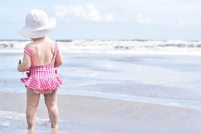 beach-1969831_640